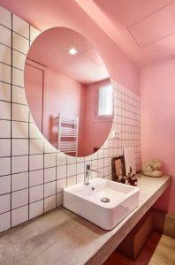 διακόσμηση μπάνιου ροζ τοίχος
