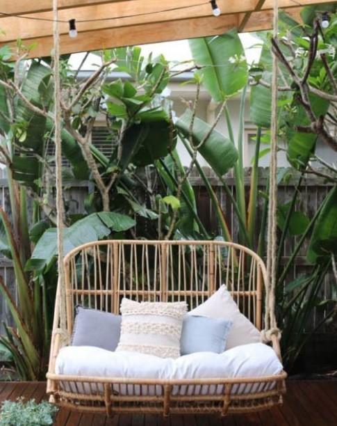 κούνια στο μπαλκόνι από bamboo
