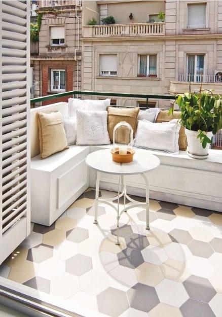 4 Ιδέες για να διακοσμήσεις το πάτωμα στο μπαλκόνι
