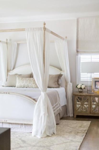 κρεβάτι με ουρανό άσπρο δωμάτιο cozy υπνοδωμάτιο