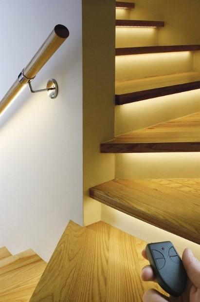 led φωτισμός στις σκάλες