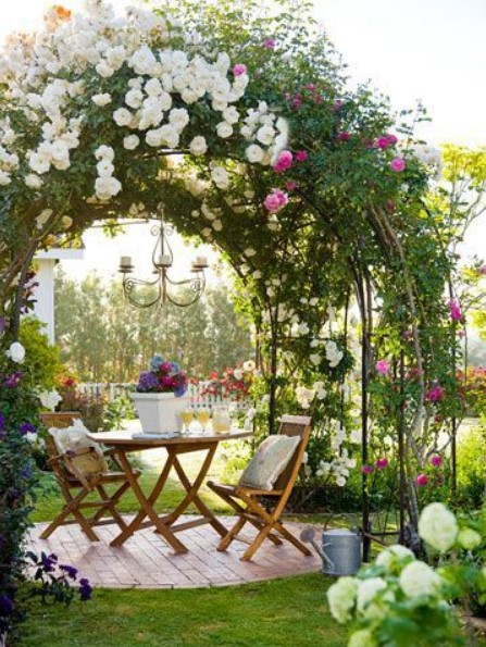 όμορφος ρομαντικός κήπος