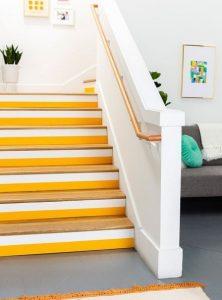 κιτρινο λευκο σκαλια