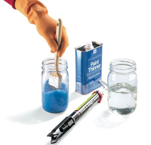 καθαρισμός πινέλου με διαλυτικό