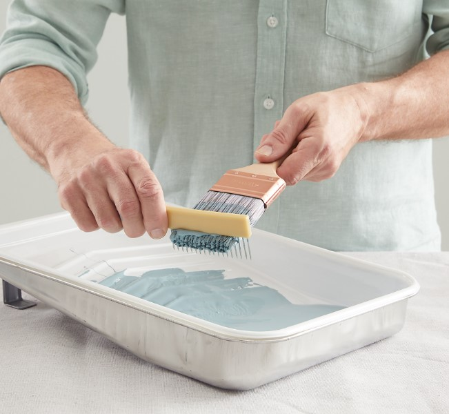 καθάρισμα πινέλου βαψίματος σπιτιού