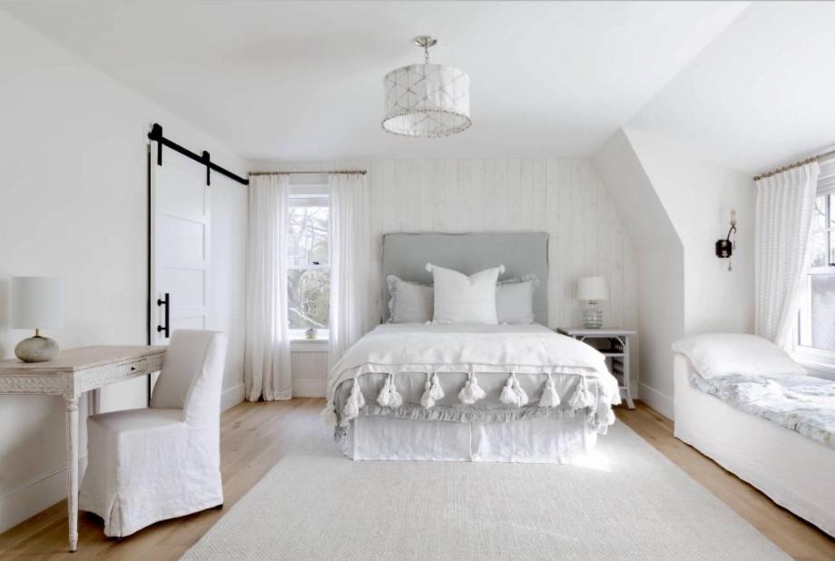 κομψό λευκό υπνοδωμάτιο