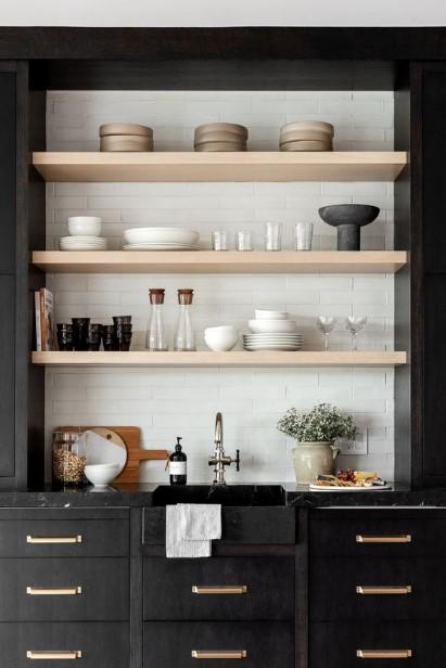 κουζίνα σε μαύρο χρώμα