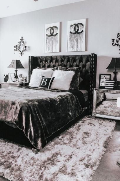 μαύρο κρεβάτι