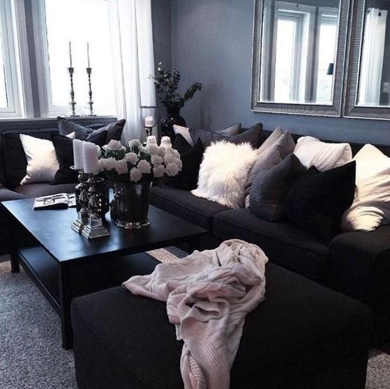 μαύρος καναπές