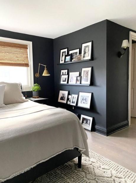 μαύρος τοίχος σε δωμάτιο