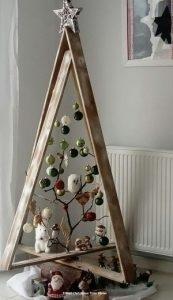 χριστουγεννιατικο δενδρο ξυλινο