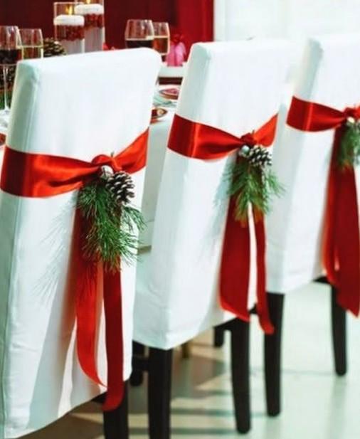 καρέκλες χριστουγεννιάτικα στολισμένες