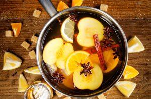 κατσαρόλα κανέλα μήλο λεμόνι πορτοκάλι φυσικοί τρόποι μυρίζει όμορφα σπίτι