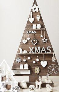 ξυλινο χριστουγεννα δεντρο