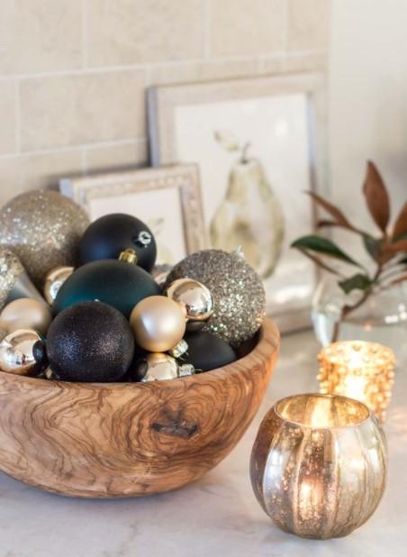 μπολ χριστουγεννιάτικες μπάλες τραπεζάκι σαλονιού Χριστούγεννα