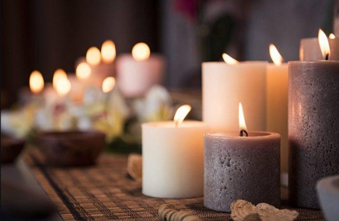 πολλά αναμμένα κεριά ζεστάνεις σπίτι