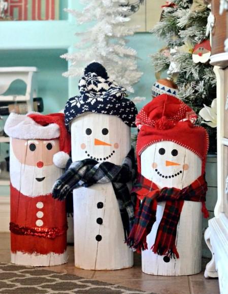 χριστουγεννιάτικες κατασκευές από κορμούς δέντρων