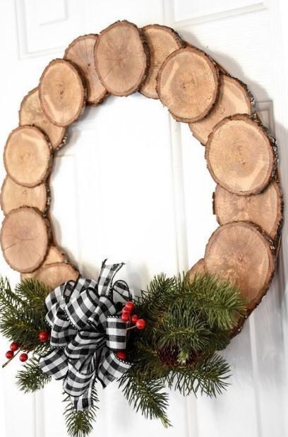 χριστουγεννιάτικο στεφάνι από ξύλα