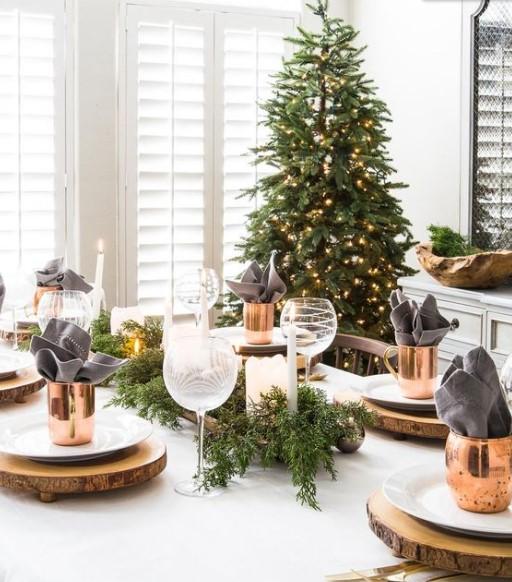χριστουγεννιάτικο τραπέζι διακόσμηση