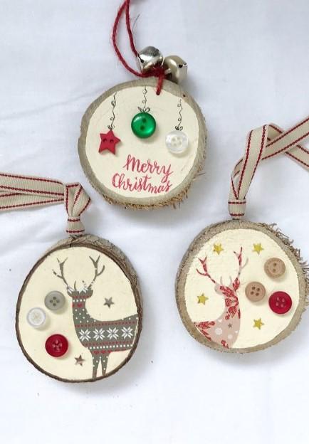 χριστουγεννιάτικα στολίδια από κορμό δέντρου