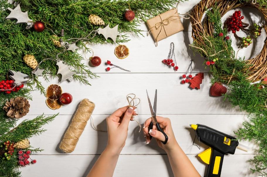 υλικά για χριστουγεννιάτικες κατασκευές