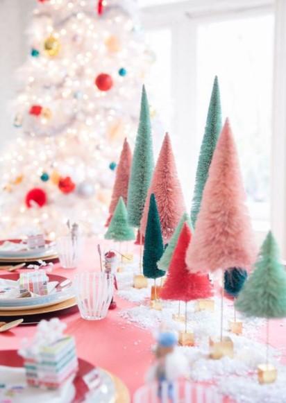 δεντράκια πολύχρωμα τραπέζι