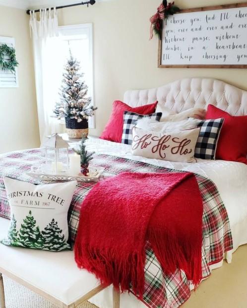 κρεβάτι χριστουγεννιάτικα μαξιλάρια