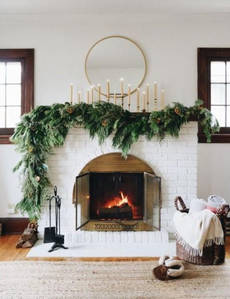 τζάκι γιρλάντα κεριά καθρέπτης χριστουγεννιάτικα διακοσμητικά