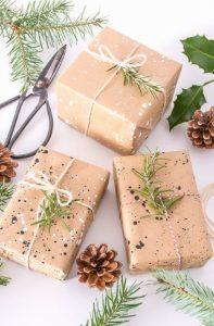 χάρτινο περιτύλιγμα σε δώρα