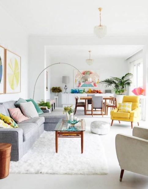 ανοιχτόχρωμο σαλόνι γκρι καναπές