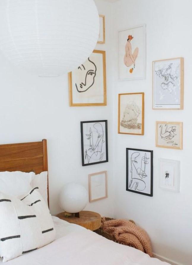 διακόσμηση με κορνίζες σε γωνία τοίχου