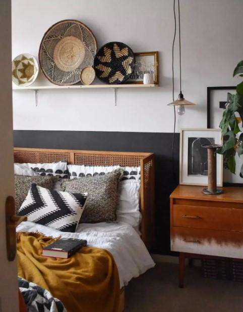 ράφι πάνω από κρεβάτι καλάθια