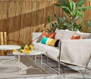 διακόσμηση με καναπέ εξωτερικού χώρου απλό λευκό