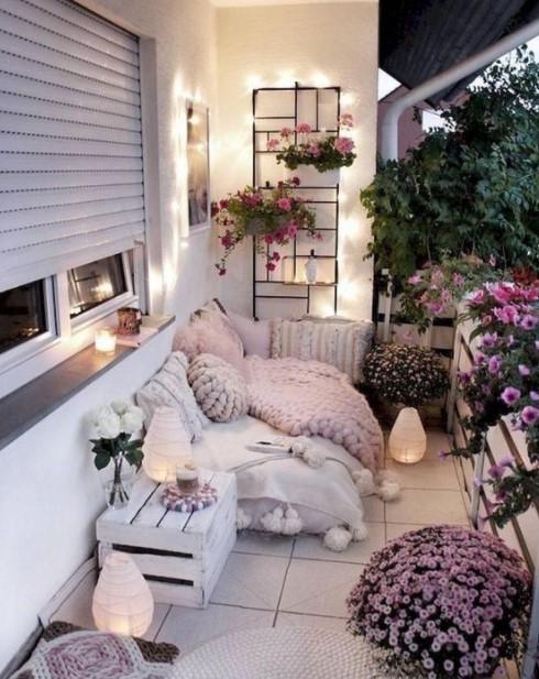 μπαλκόνι λουλούδια πλεκτά υφάσματα μπαλκόνι χειμώνα