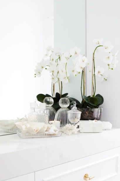 μπάνιο άσπρη ορχιδέα