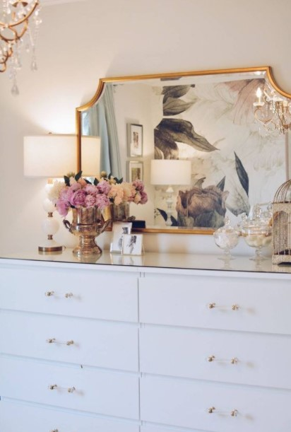 συρταριέρα καθρέπτης λουλούδια