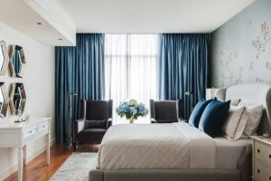 υπνοδωμάτιο μπλε κουρτίνες ηχομονώσεις δωμάτια