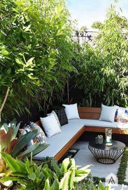 καναπές κήπος