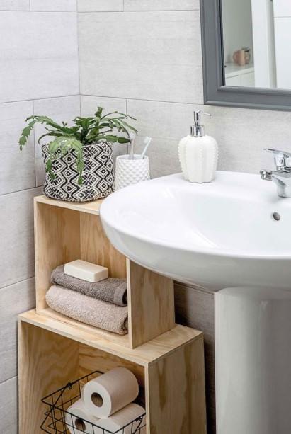 μπάνιο ξύλινες κλούβες