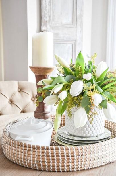 ψάθινος δίσκος κερί λουλούδια