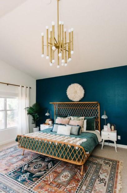 statement κρεβάτι μπλε τοίχος