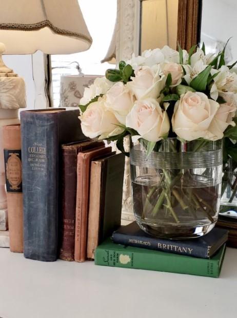 vintage στυλ βιβλίων λουλούδια