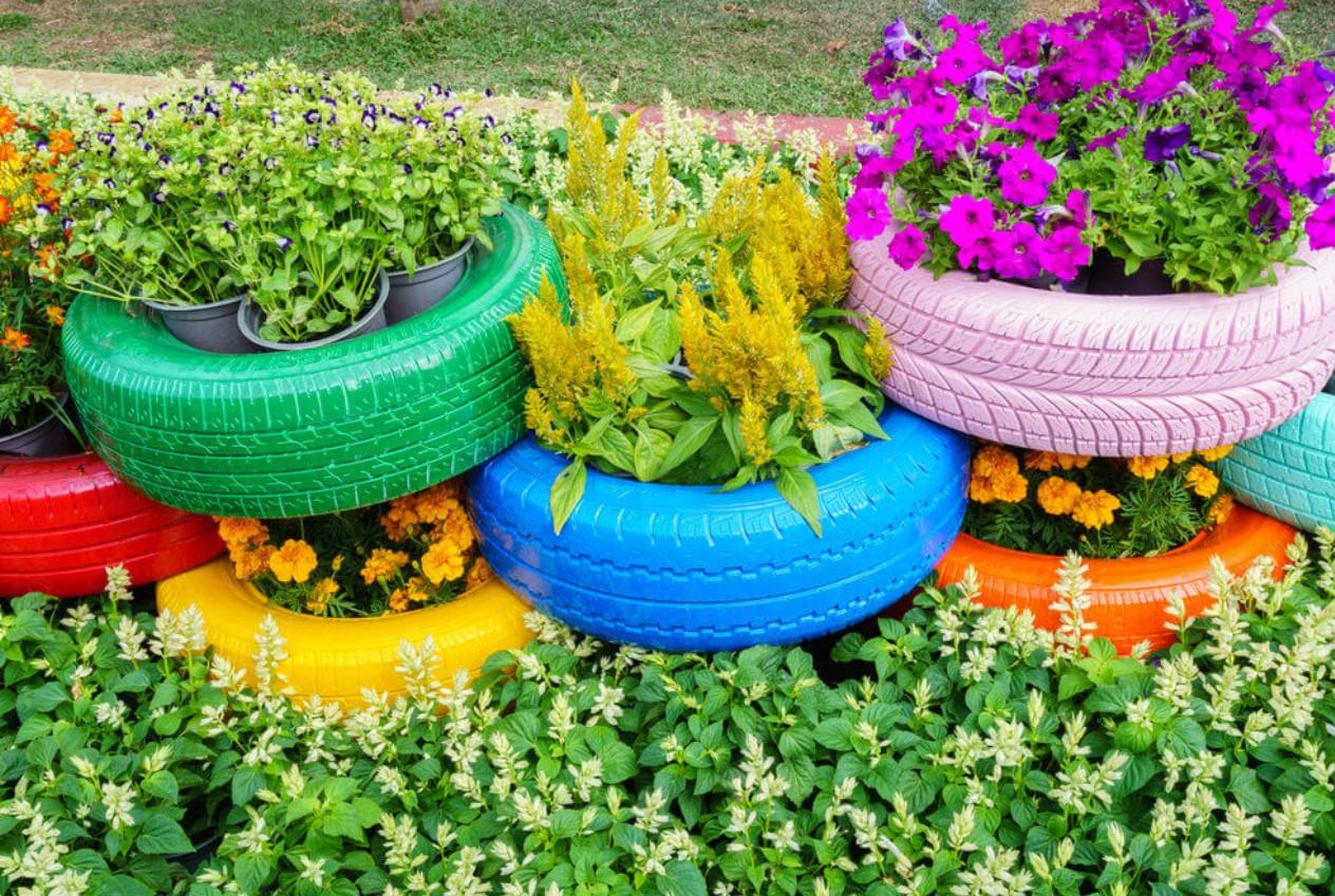 χρωματιστά λάστιχα αυτοκινήτου για γλάστρες