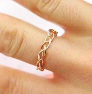 δαχτυλίδι πλεξούδα