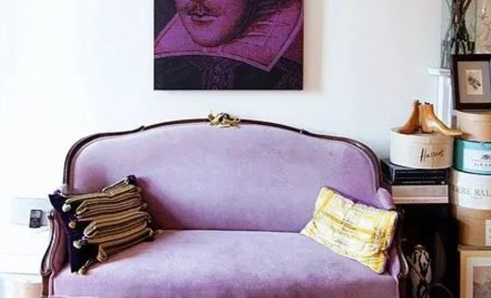 καναπές χρώμα λεβάντας
