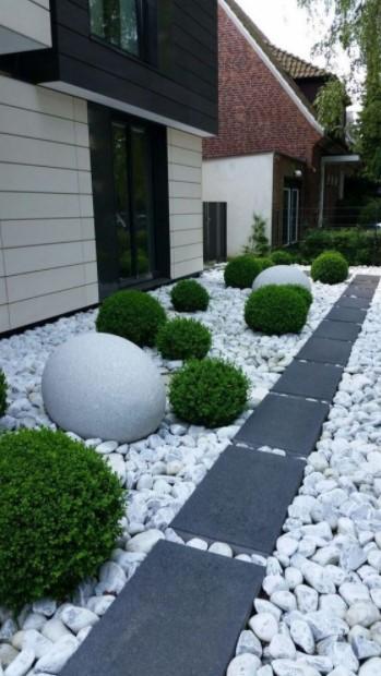 μαύρο πλακάκι άσπρη πέτρα διάδρομοι