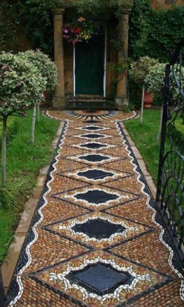 περίτεχνος διάδρομος κήπου
