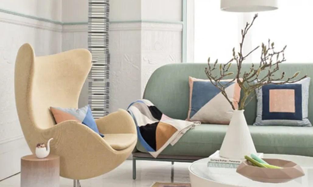 παστέλ καναπές και πολυθρόνα