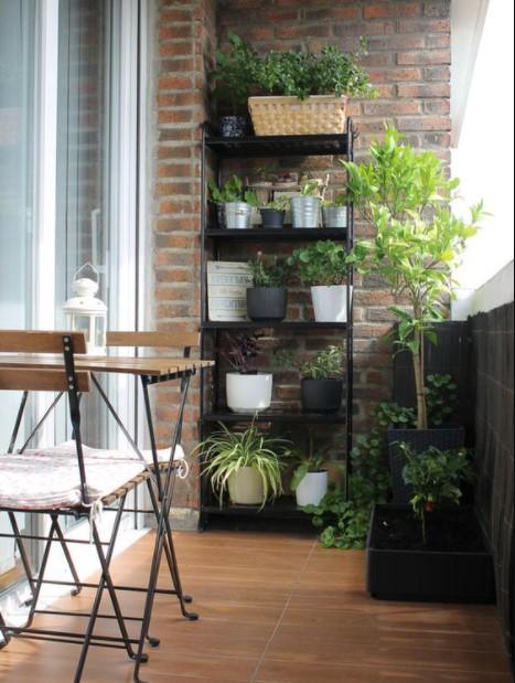 ραφιέρα γλάστρες μπαλκόνι