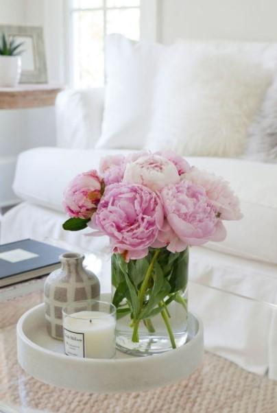 τραπέζι ροζ παιώνιες διακοσμητικά τραπεζάκι
